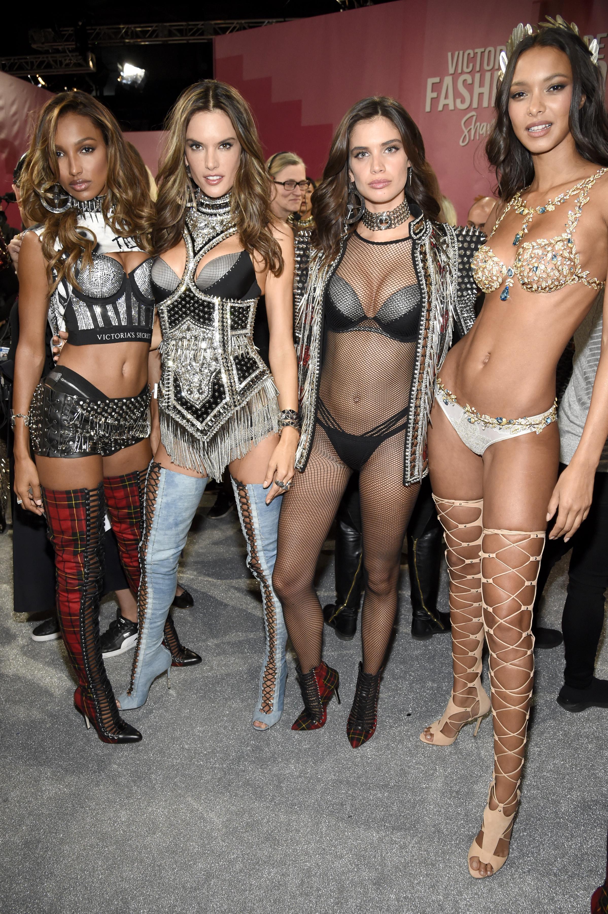 Geçmişten Bugüne Victorias Secret Defilesi